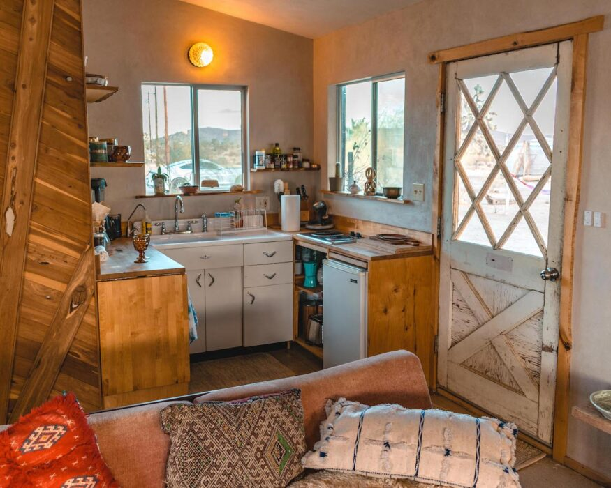 airbnb in joshua tree kitchen