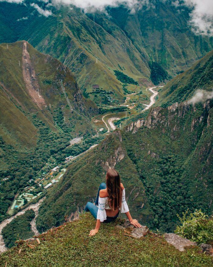 peru-machu-picchu-valley-view