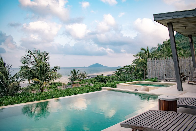 vietnam-six-senses-con-dao-pool-view
