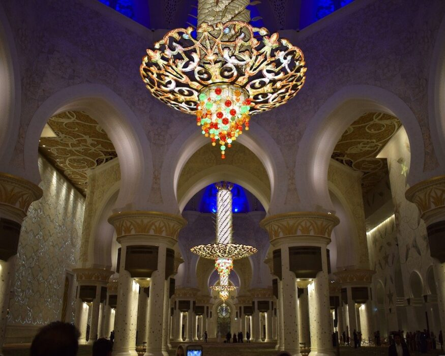 abu dhabi mosque chandelier