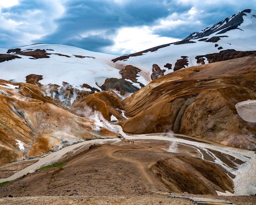 the snowy mountain peaks of Kerlingarfjöll in iceland