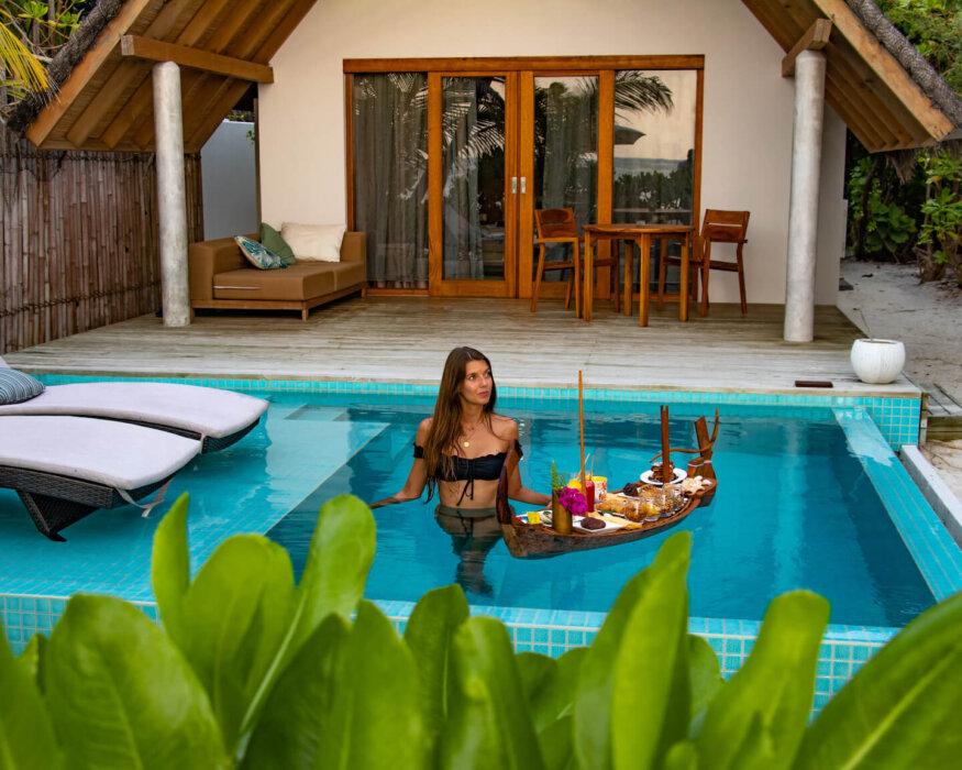 fushifaru-beach-villa-pool