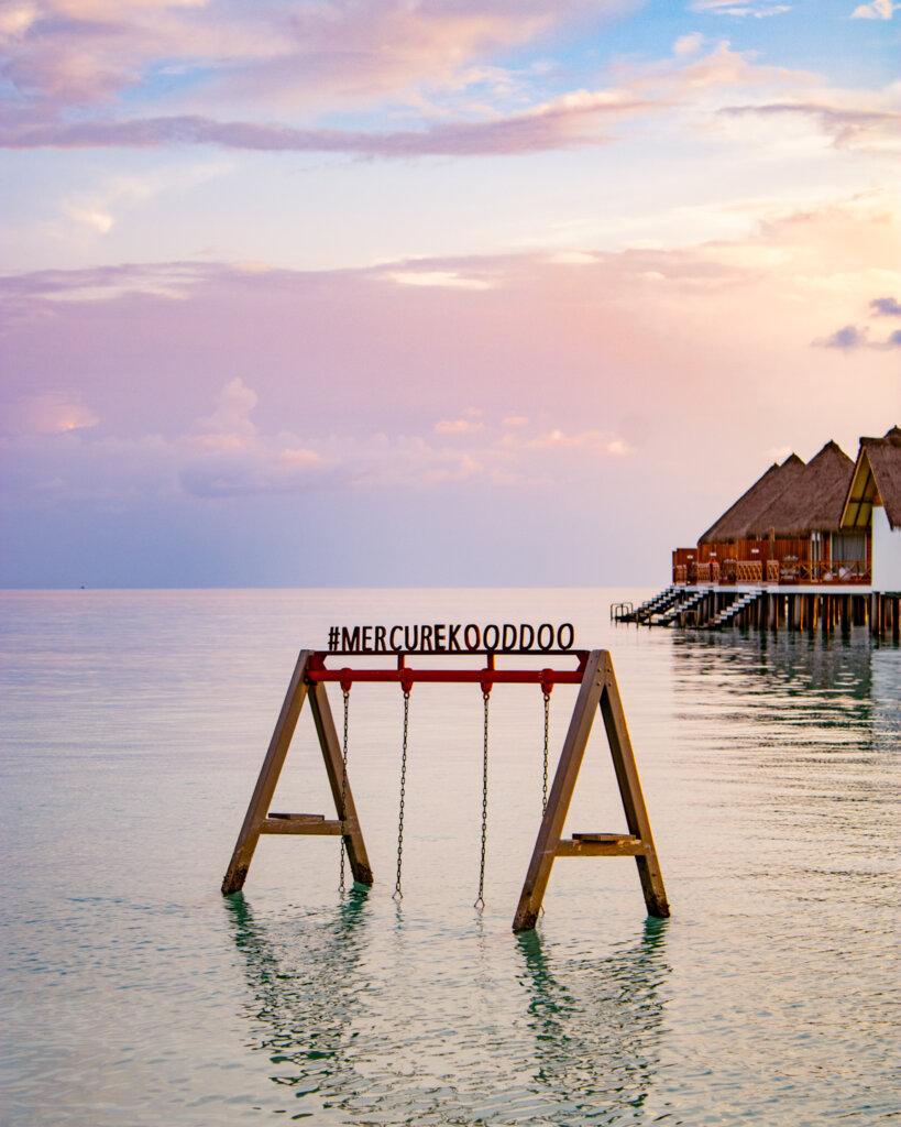 günstiges-hotel-malediven-schaukel