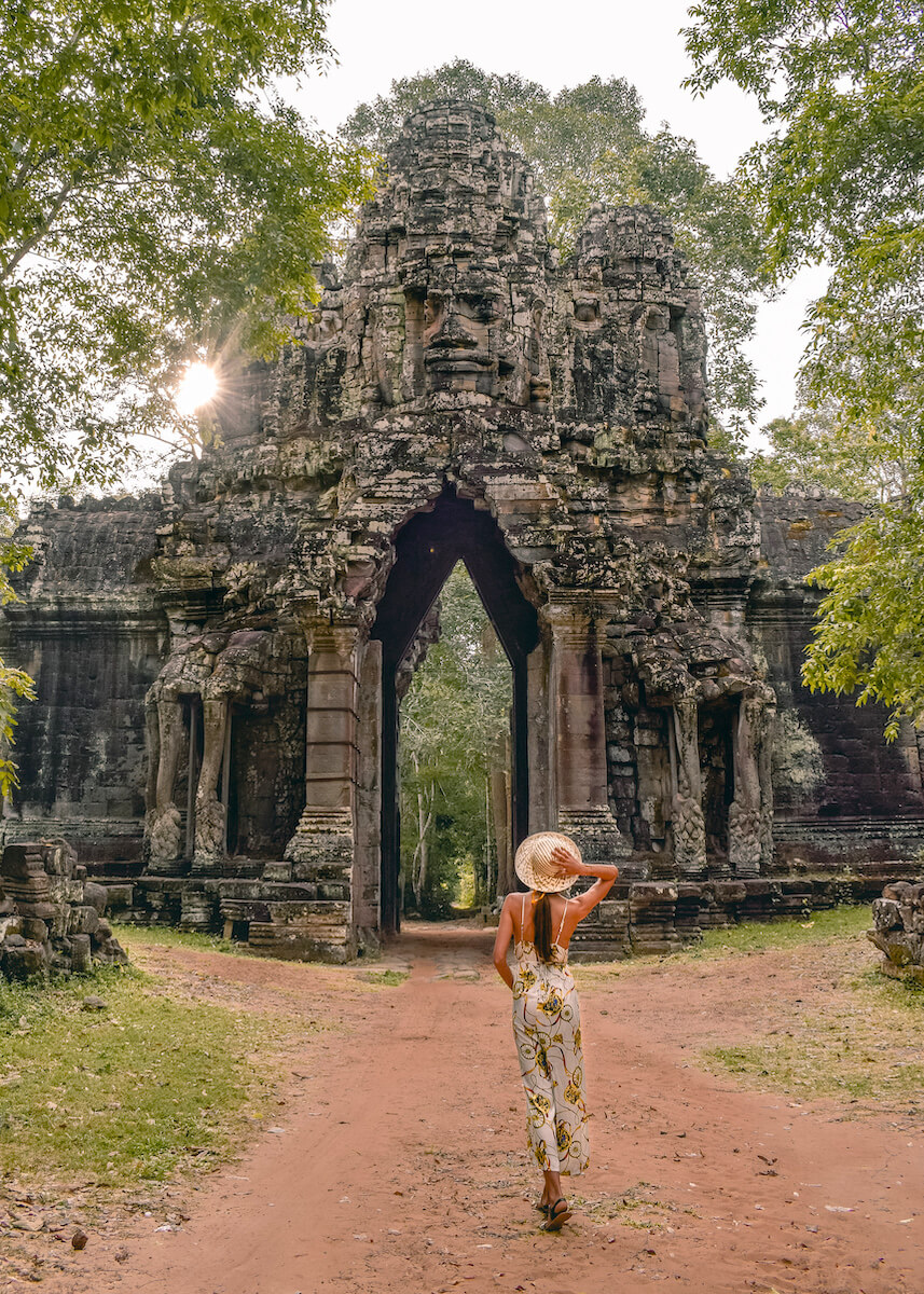 east gate photo spot Angkor Wat