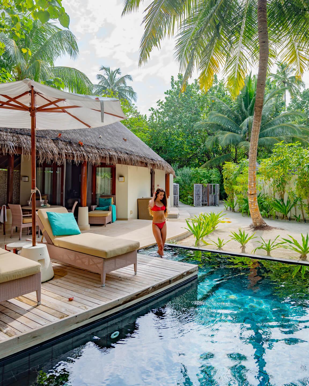 constance-halaveli-maldives-beach-villa-pool-2