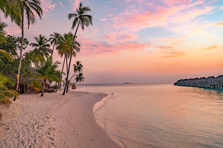 constance-halaveli-maldives-sunset