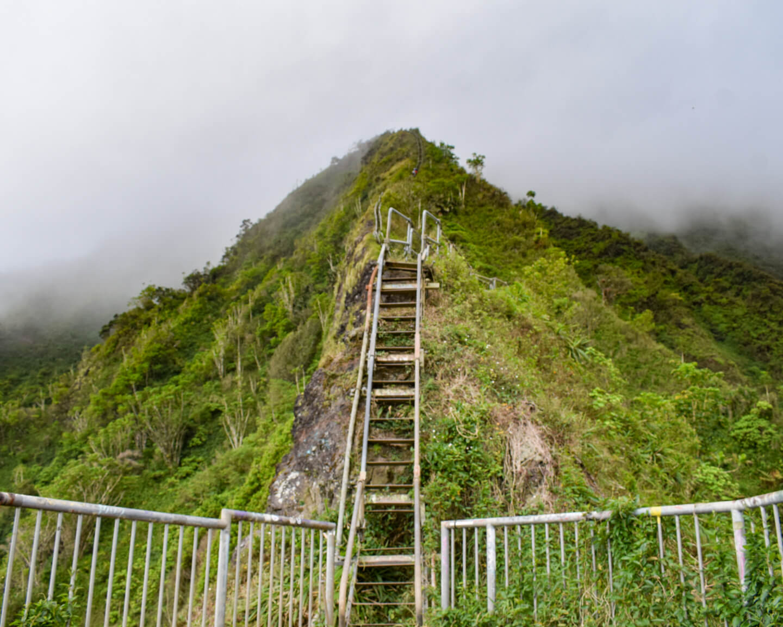 the haiku stairs in Hawaii Oahu
