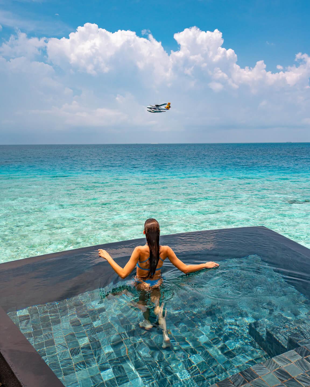 maldives-pool-waterplane