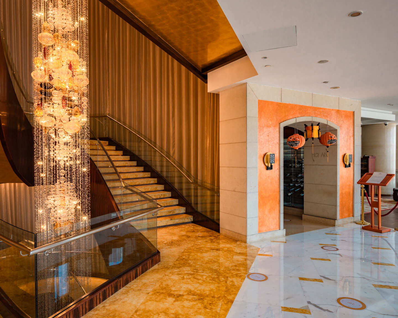 restaurant entry at the Shangri-la dubai