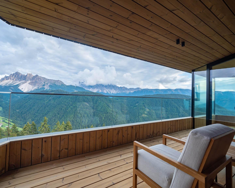 forestis-dolomites-penthouse-balcony