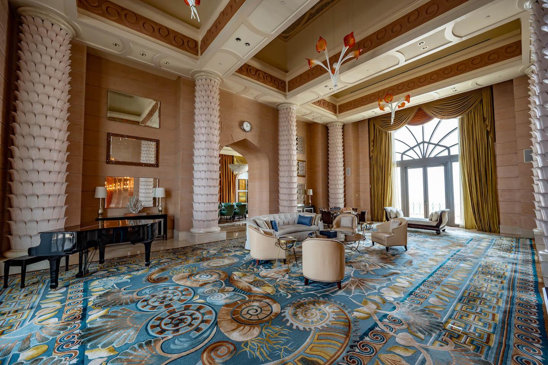 Atlantis-The-Palm-Dubai-royal-bridge-suite-living-room