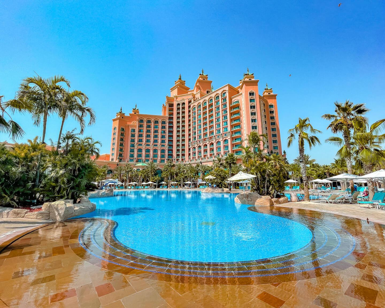 Atlantis-The-Palm-Dubai-zero-entry-pool