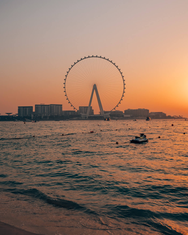 the Ferris wheel of bluewaters island in dubai