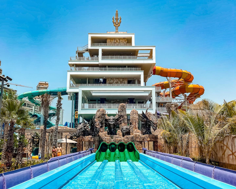 aquaventure-waterpark-dubai-slide