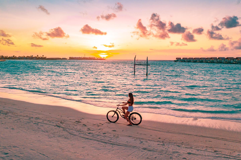 hard-rock-hotel-maldives-sunset