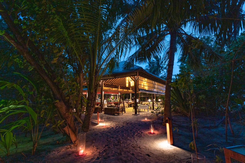 island grill restaurant Park Hyatt Maldives Hadahaa