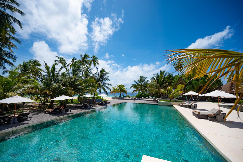 the main pool of the Park Hyatt Maldives Hadahaa