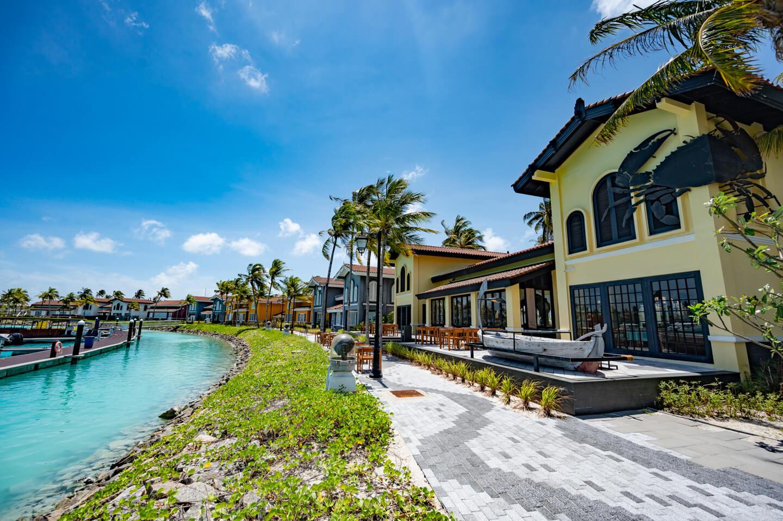 marina-crossroads-maldives