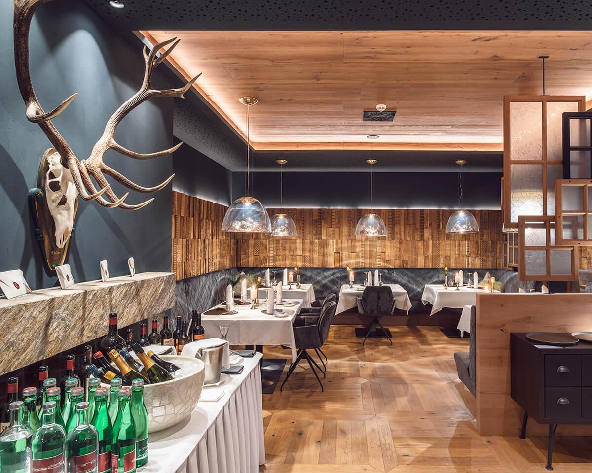 Das Edelweiss restaurant interior