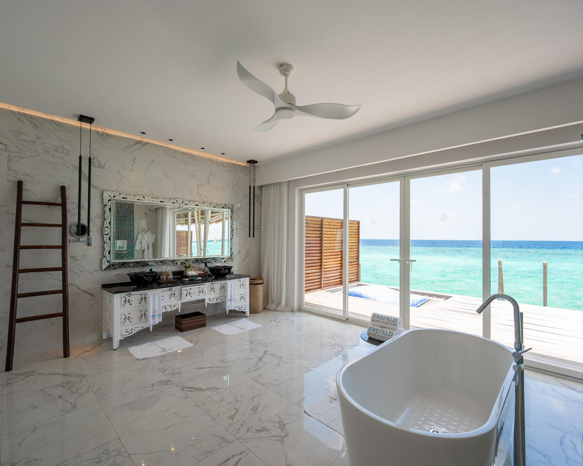 Emerald Maldives Resort and spa bathroom